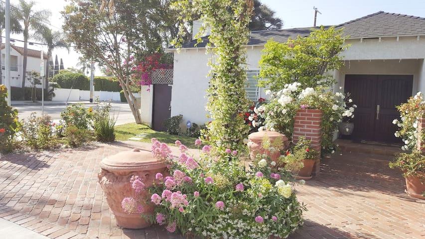 Perfect LA Getaway! Charming Cottage-West LA/SM