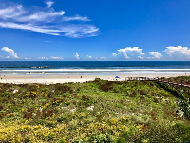 Unit 109 🏖Direct Oceanfront Condo+Patio+Pets ok🐾
