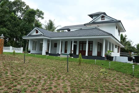 ROSHVIew Retreat Wayanad - Krishnagiri - Vila
