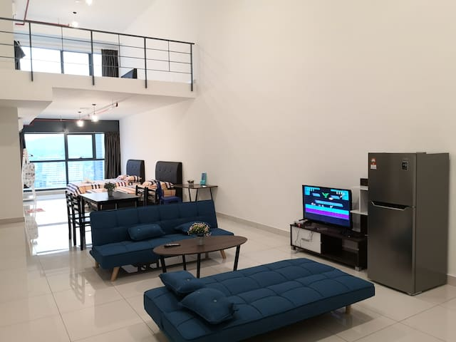 3 Towers Duplex KLCC @ 8pax Free Parking Gleneagle
