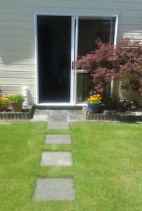 Self Contained Flat Separate from House - Stratford - Pensió