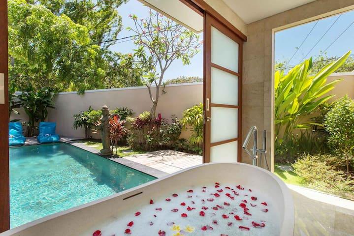 Dreamy Romantic 1BR Villa / Legian - Seminyak