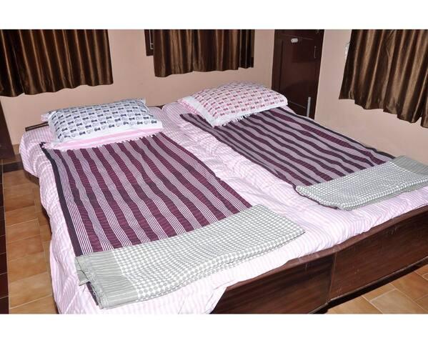 Luxury Quadruple Room Homestay Senthil Akam