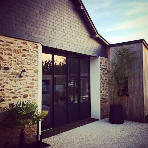 Maison de charme près hippodrome - Chambre BLEUE - Thorigné-d'Anjou - Dům
