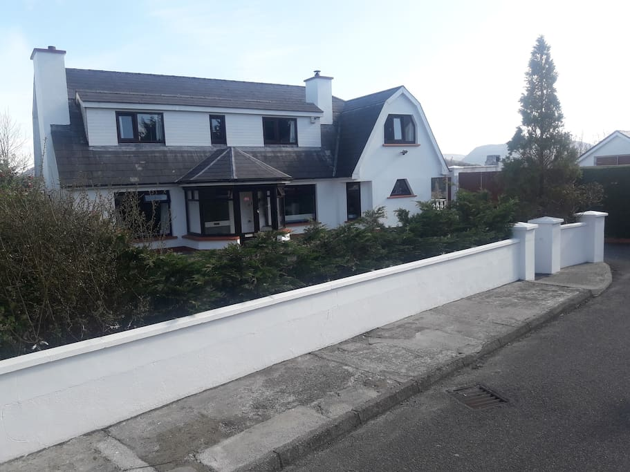 Big house within walking distance of Killarney town centre