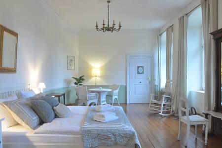 Gartenzimmer im Schloss - Hideaway auf dem Lande