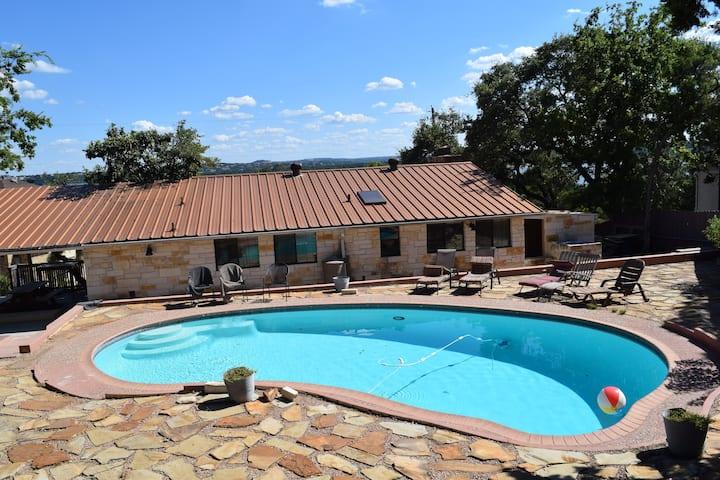 Pool-Side Home/Lake Travis views/Austin - 2B2B