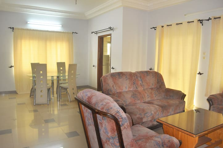 Résidence MATHY un salon deux chambres N2