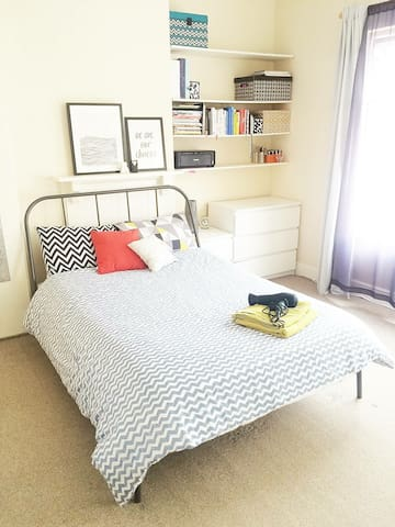 Master bedroom with loads of space ... Tastefully decorated only for you