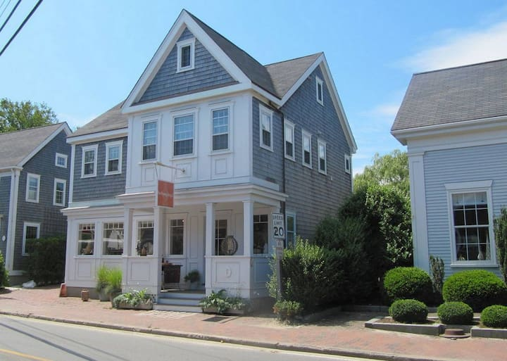 Spectacular Two-Floor Home In-Town, On the Harbor
