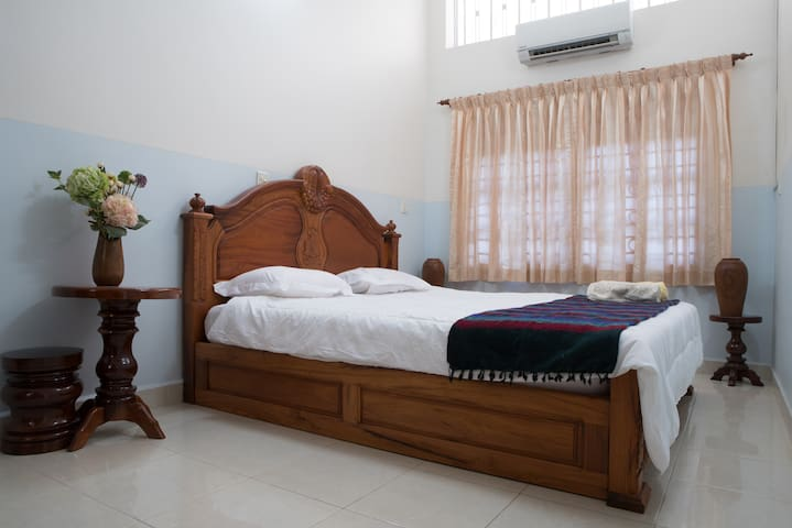 Apartment near Central Market - Phnom Penh - Daire