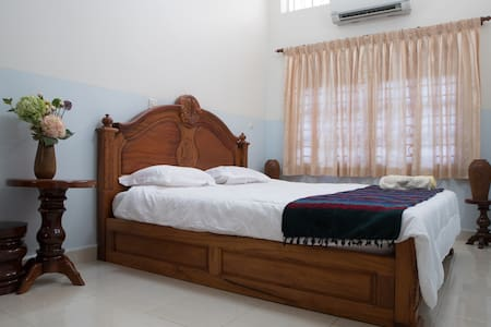 Apartment near Central Market - Phnom Penh - Apartament