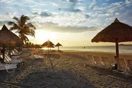 Enjoy the Beach and golf - Rio Hato