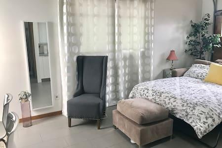 Humble Abode in Redondo Beach - Redondo Beach