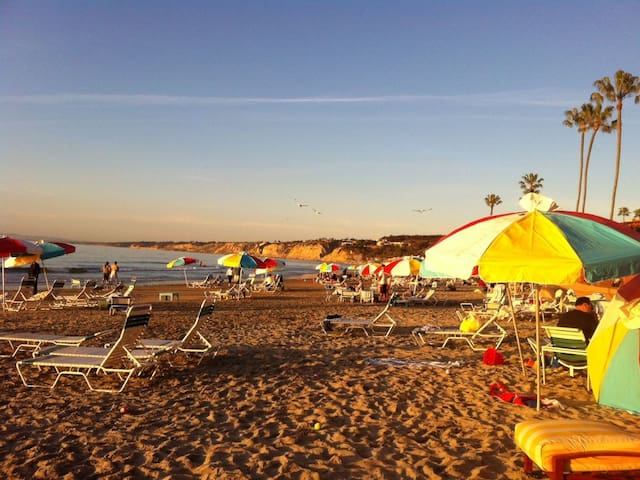 Charming Coastal Retreat W/AC, Close to LJ Beaches
