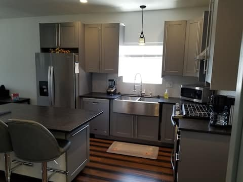 4 Bedrooms, 2 Kitchens, 2 Laundry Modern Remodel