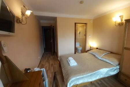 Pokój 1 os z łazienką w Uzdrowisku Busko Zdrój