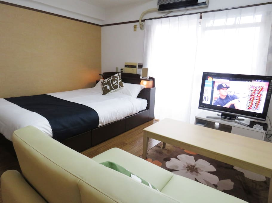 Guest of honor room (double bed 2,120 × 1,400) double sofa