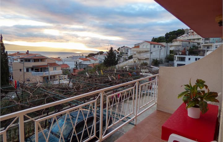 Stunning apartment in Duce with WiFi and 1 Bedrooms