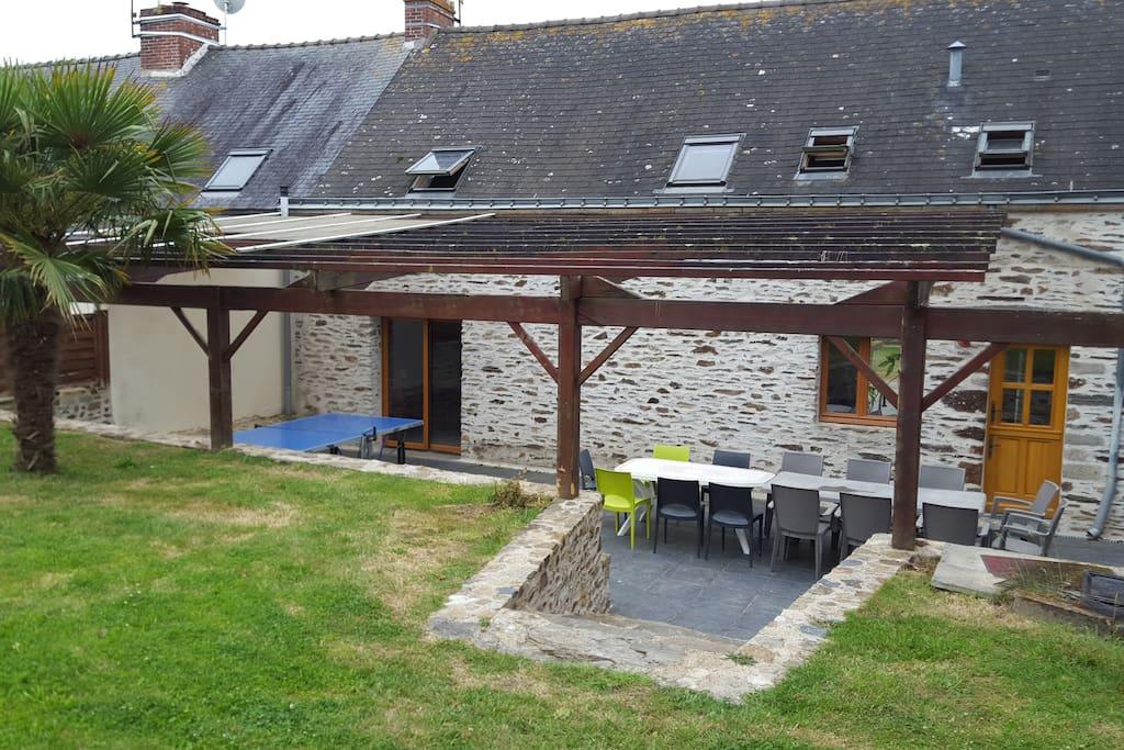 Grande longere en pierre a 2km de la mer maisons louer for Reglement interieur immeuble