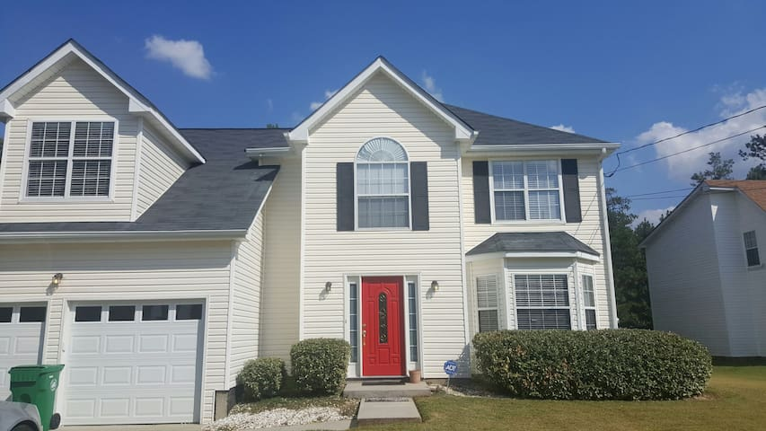 Cozy Spacious Home Away From Home - Decatur - Huis