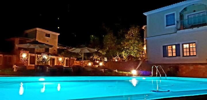 Private pool & spa Villas