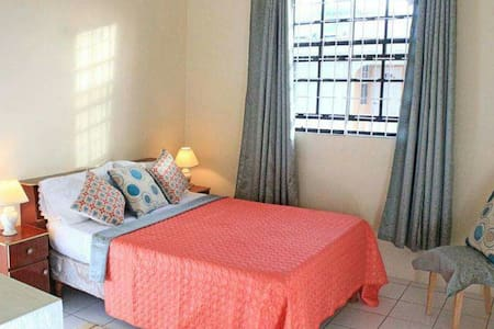 Pride of Barbados Apt near Beach - Oistins - Apartment