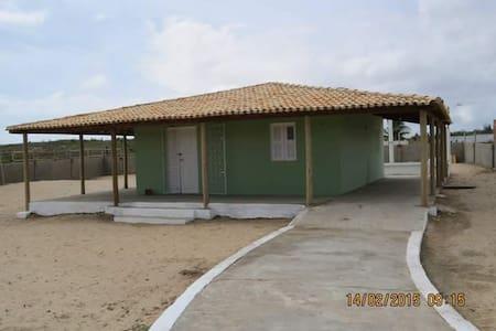 Bangalô em praia paradisíaca - Fortim - Casa
