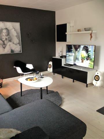 Stort hus på 160 m2 med jacuzzi - Sæby