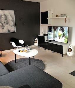 Stort hus på 160 m2 med jacuzzi - Sæby - Casa