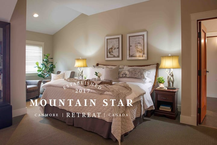 Tranquil Mountain Luxury Penthouse, Self Contained