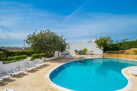 Ciri Red Villa, Albufeira, Algarve - Guia - Casa de campo