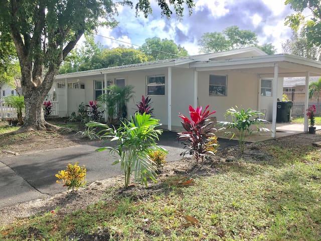 beautiful 2/1 compley remodeled and upgraded - Oakland Park - Casa