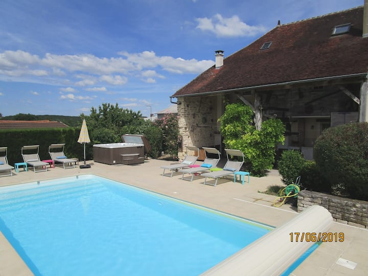 House 15p, warmed private pool, spa, near Chablis
