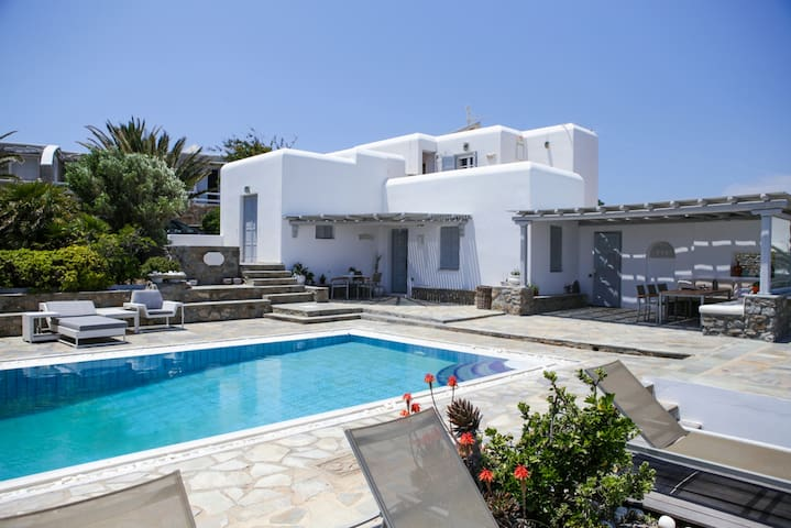 #39;Residence Infinity 3 Bedrooms 3 Bathrooms Villa Sea View ideal retreat for vacations in Mykonos