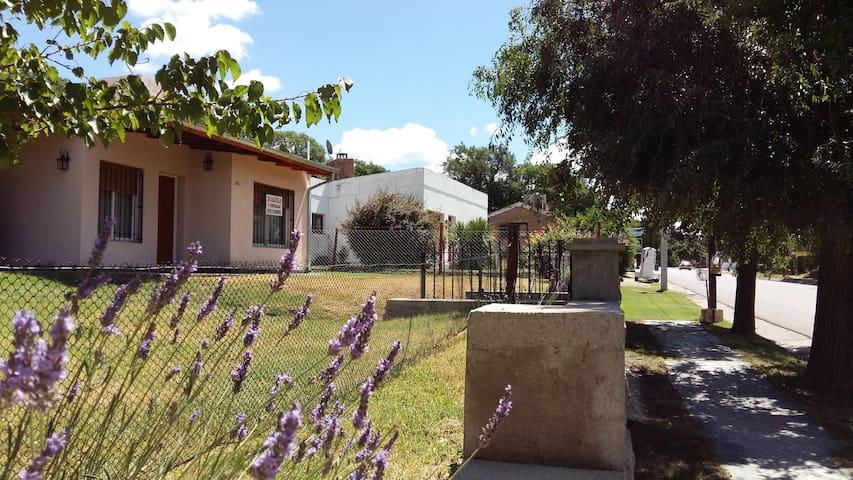 HERMOSA CASA EN LA CUMBRE - CÓRDOBA - PUNILLA - LA CUMBRE - Дом