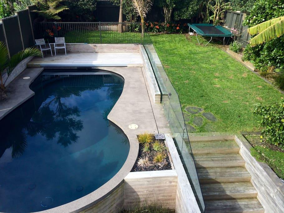 Pool/Trampoline