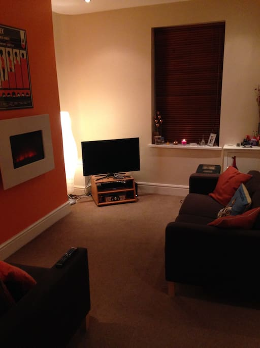 Front room with flatscreen TV