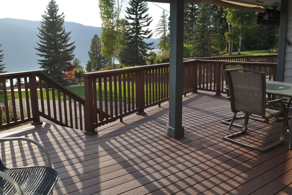 MH114 Large Covered Deck with Outdoor Furniture and BBQ