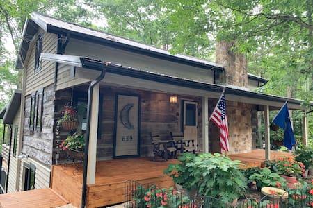 "The Moonshine Inn, an authentic ""luxury log cabin"""