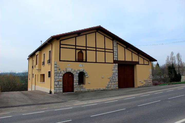 Casa rural para 8 personas - Abárzuza - Huis