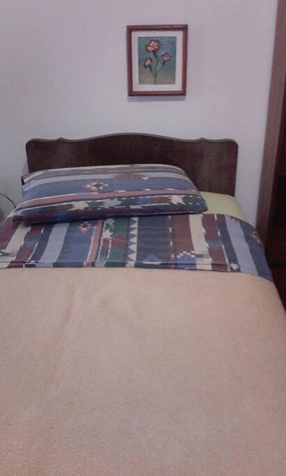 Bed ready for use :) La cama ya esta lista para usarse :)