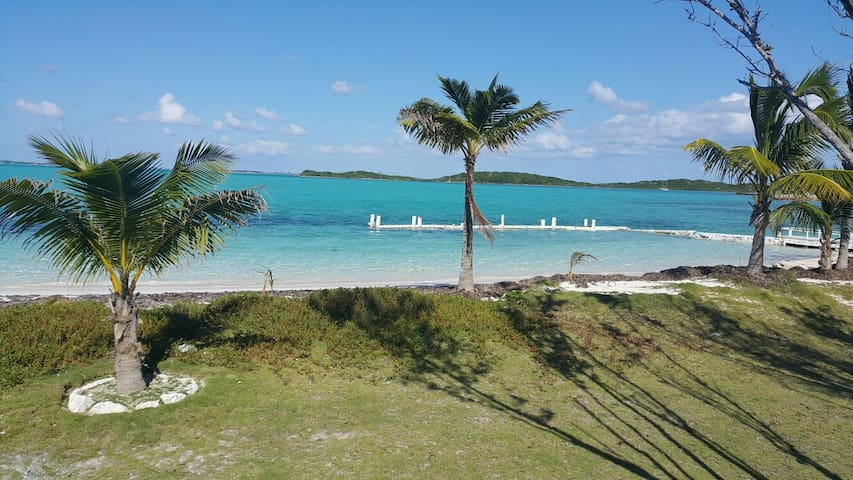 Sand Dollar Villa at Master Harbour, Great Exuma