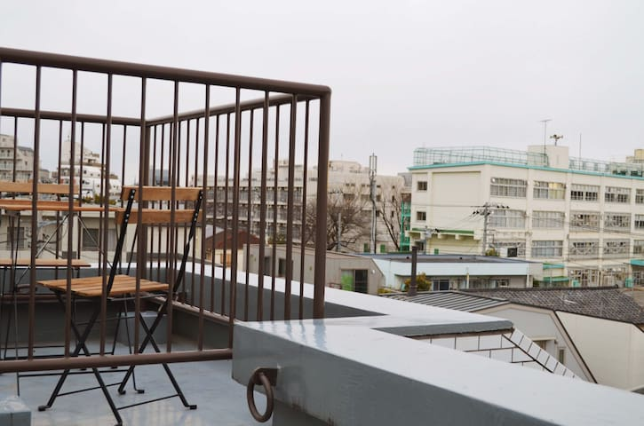 Huge Balcony Penthouse - 8min Train to Shinjuku - Suginami-ku - Apartment
