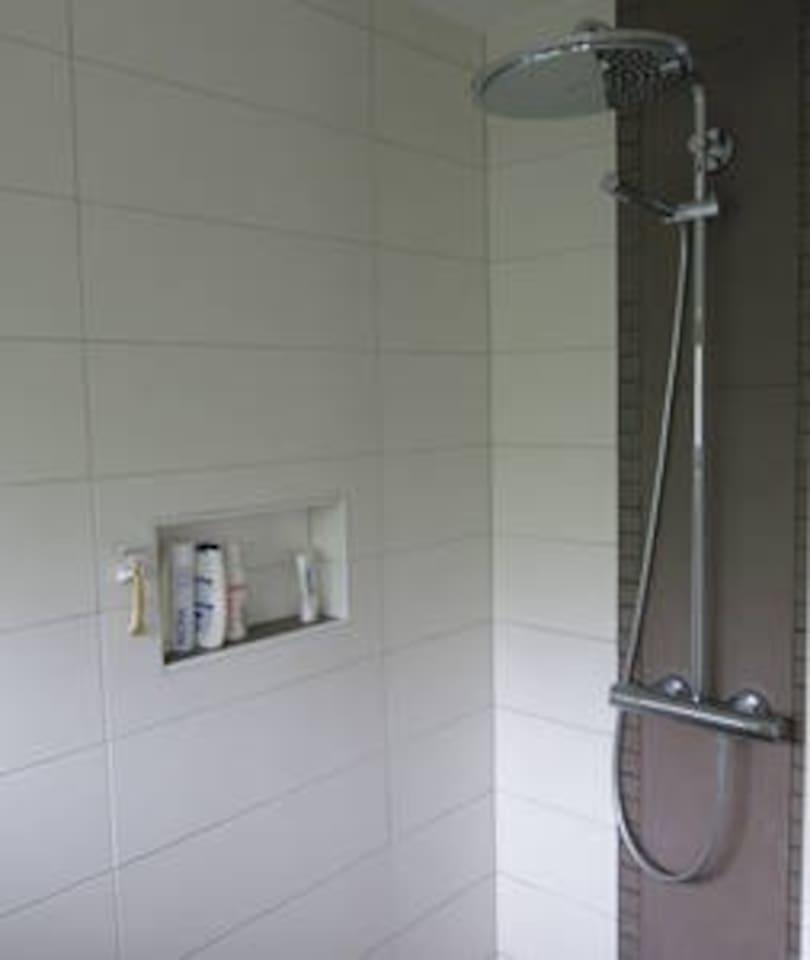 "Zimmer ""Morgensonne"" in Wacken A23 / NOK / Kanal"