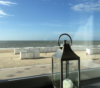On the beach charming apartment with parking - Knokke-Heist - アパート