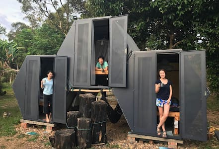 Honeycomb Pod #2 Glamping in Organic Orchard - Raub