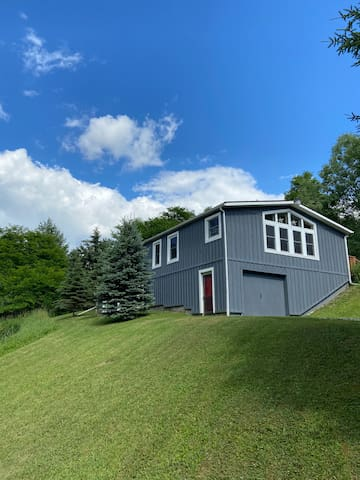 Ellicottville countryside, peaceful and convenient
