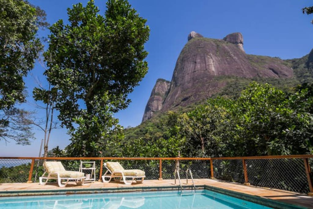 Pool view and Pedra da Gavea on the Back