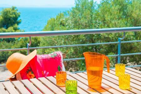 Maresi Sea View Maisonette - Paradisos